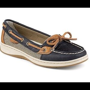 NEVER WORN navy blue and tan whale imprint Sperrys
